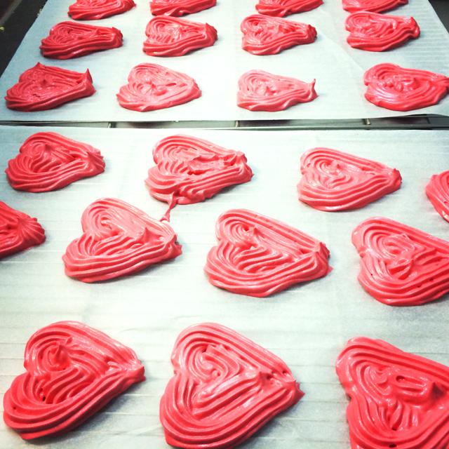 Base de merengue en forma de corazón