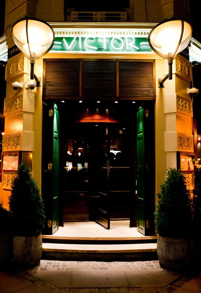 Entrada del restaurante Victor