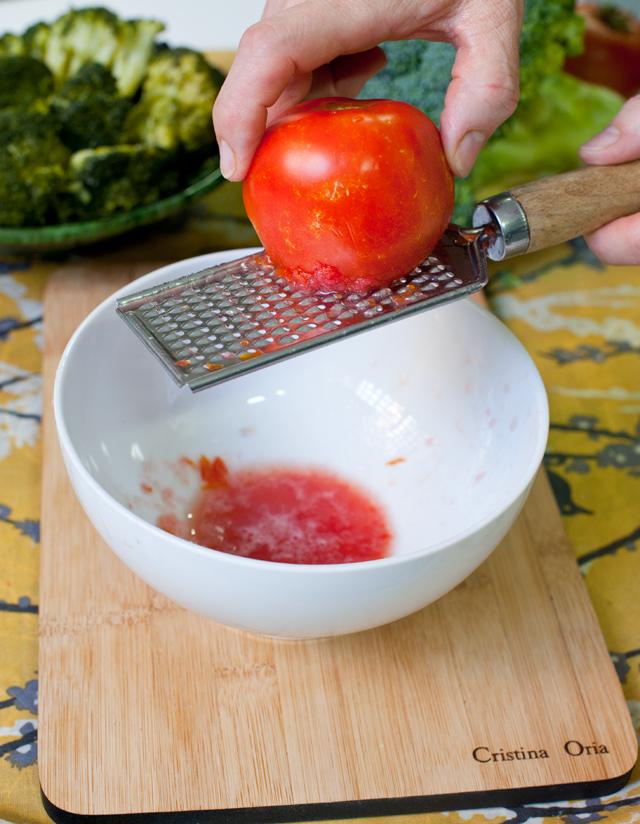 Rallar el tomate