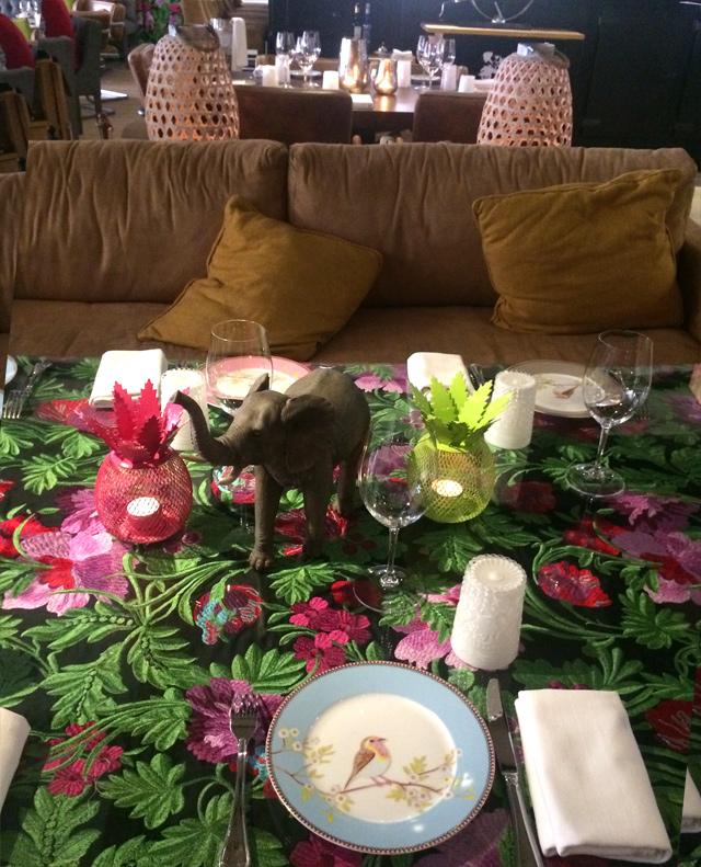 Mesa de Bibo, todos los platos aon distintos