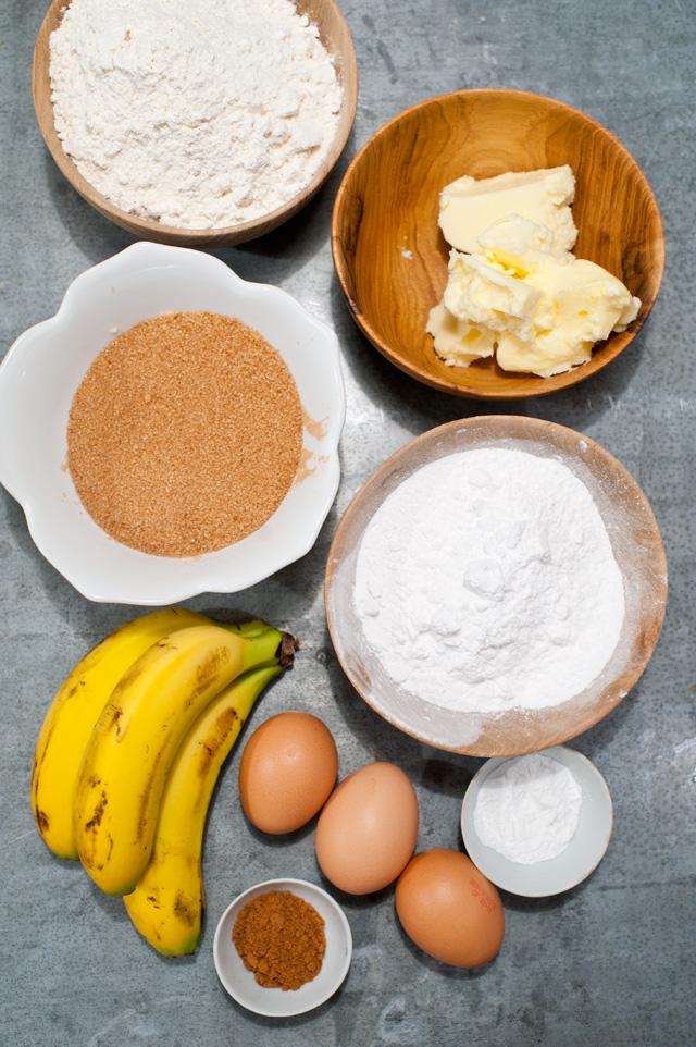 Ingredientes para el bizocho de plátano y toffee